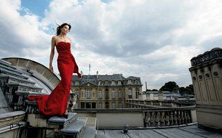 Carla Bruni en mannequin sur le toit du Palais de l'Élysée
